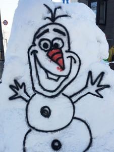 アナと雪の女王 オラフを雪に書いてみた!
